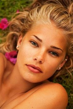 Tori Praver by sokissme1020, via Flickr