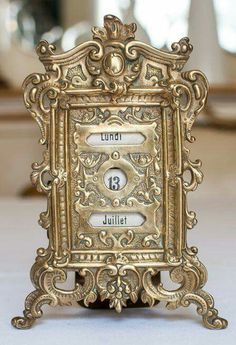 Lovely Perpetual French Calender