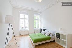 Great, simple flat, Kastanienallee in Berlin
