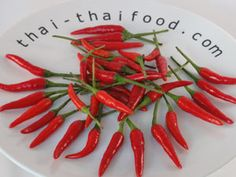 Rote Thai Chili Thai Chili, Caprese Salad, Carrots, Vegetables, Food, Spices And Herbs, Fresh, Carrot, Vegetable Recipes