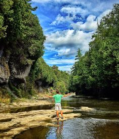 10 road trips from Toronto you must do this summer Elora Gorge. About 1 hours west of Toronto, the town of Elora is a thriving town full of history, boutiques and restaurants. It's also home to a great gorge. Ottawa, The Places Youll Go, Places To See, Places To Travel, Travel Destinations, Ontario Travel, Hiking Spots, Hiking Trails, Parks Canada