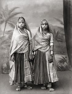 Viewfinder   Vintage Studio Portraits of Indian Women From the Peak of British Colonialism