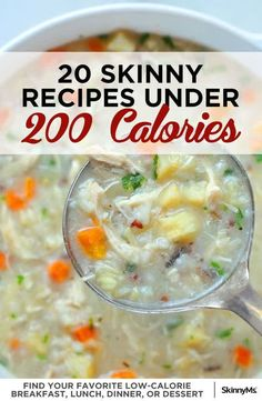 Hunting for low calorie meals that don't taste like cardboard? This week, add some of these 20 skinny recipes under 200 calories to your menu plan. Low Calorie Meal Plans, Healthy Low Calorie Meals, Low Calorie Dinners, No Calorie Snacks, Low Calorie Recipes, Healthy Dinner Recipes, Diet Recipes, Healthy Snacks, Lowest Calorie Meals