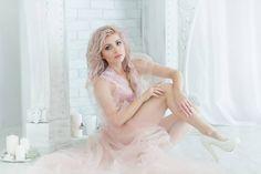 #фотосессия #фотограф @kids.katephoto #локация @mechtastudio #наряд #будуарноеплатье от @mkh_designer #модель и #визажисткмв #укладка золотыми ручками @vip.lubs #утроневесты #нежность #vsco #vsc #vscopic #vscocam #modelv#shooting #bride #blonde #beauty #russian #poet #actress #happymother #oshapinskaya #followme http://gelinshop.com/ipost/1521620360624433301/?code=BUd4af2BWiV