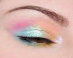 Here's my amateur hour take on intentional motion blur using some of the new #MakeupGeek Soft Focus Colors and a couple of #Devinah Cosmetics Xploders pressed pigments. Pastel Eyeshadow, Eyeshadow Looks, Makeup Geek, Makeup Inspo, Motion Blur, Beauty Review, Makeup Looks, Couple, Cosmetics