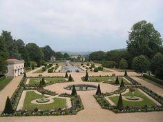 Jardins d arnaga cambo les bains jardins a la francaise vus du premier etage de la villa guide du tourisme des pyrenees atlantiques