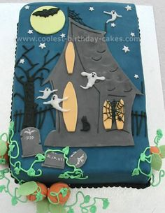 Haunted House Cake... This website is the Pinterest of Halloween cakes