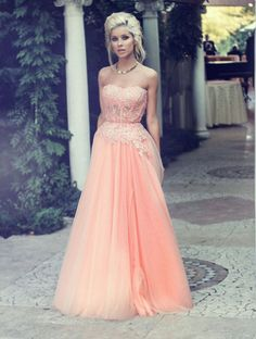 The+lace+prom+dress+are+fully+lined,+8+bones+in+the+bodice,+chest+pad+in+the+bust,+lace+up+back+or+zipper+back+are+all+available,+total+126+colors+are+available. This+dress+could+be+custom+made,+there+are+no+extra+cost+to+do+custom+size+and+color.  Description+ 1,+Material:+chiffon,+elastic+s...