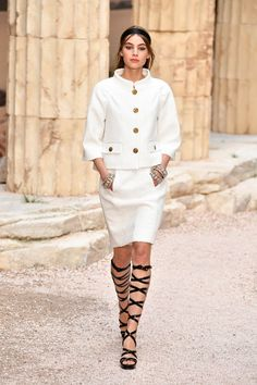 Chanel just debuted its Cruise 2018 show, and every single look featured this one shoe trend.