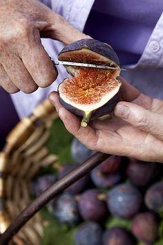Recepten met vijgen Fig Recipes, Healthy Recipes, Eat Healthy, Figgy Pudding, Stone Fruit, Fig Tree, Fruits And Vegetables, Finger Foods, Natural