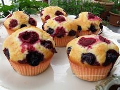 Muffins con frutti di bosco e yogurt greco