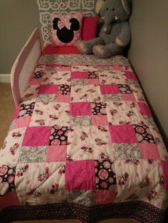 Minnie Mouse quilt | Mickey Mouse | Pinterest
