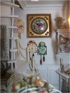 "Dans le magasin "" la vie en rose"", les horloges Shabby Chic, Better Homes, Gallery Wall, Clock, Dollhouses, Minis, Frame, French, Home Decor"