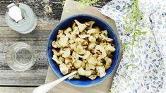 Paahdettu kukkakaali on ihana lisäke grilliruoalle. Snack Recipes, Snacks, Atkins, Cauliflower, Dinner, Vegetables, Eat, Food, Snack Mix Recipes