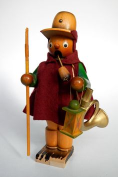 Germany | Smoker doll made in Seiffen in the Erzgebirge region.21 cm