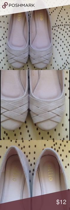 Ollio Flats Light weight suede like flats. Price firm Ollio Shoes Flats & Loafers
