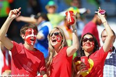 Switzerland fans wait for their team to take on Argentina Soccer Fans, Football Fans, Fifa 2014 World Cup, International Football, Sports Wallpapers, Best Fan, Fangirl, Competition, Switzerland