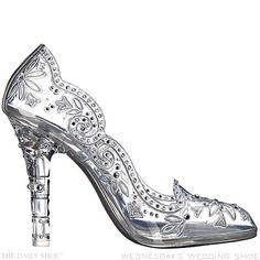 Wednesday's Wedding Shoe – Cinderella's Slipper by DOLCE GABBANA | http://www.thedailyshoe-official.com/2016/01/27/wednesdays-wedding-shoe-cinderellas-slipper-dolce-gabbana/