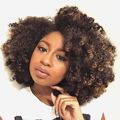 Pelo Natural, Natural Hair Tips, Natural Hair Journey, Natural Curls, Natural Hair Styles, Natural Hair With Color, Natural Hair Highlights, Curly Fro, Queen Hair