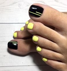 Nail Design Stiletto, Feet Nail Design, Toe Nail Designs, Gel Toe Nails, Feet Nails, Toe Nail Art, Pretty Toe Nails, Cute Toe Nails, Pedicure Nail Art