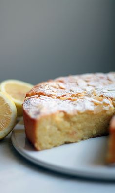 Sitruunainen ricotta-mantelikakku by Lunni leipoo Norwegian Food, Dessert Bread, Gluten Free Baking, Sweet And Salty, Desert Recipes, Yummy Cakes, Ricotta, No Bake Cake, Love Food