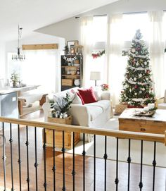 Christmas Home Tour - Christmas Living Room | MyFabulessLife.com