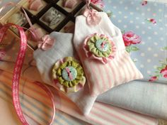 Lavender scented sachets from sewing room secrets | www.sewingroomsecrets.wordpress.com