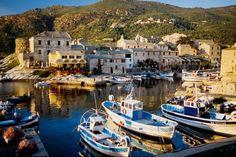 Tableau Photo: Port de Centuri cap Corse une toile de Vincent Formica impression sur dibond, verre acrylique et canvas. | my-art.com
