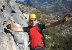 """5 Klettersteigtage """"Brenta in der Vertikale"""".  Eine Gebietsdurchquerung in mitten von wilden Wänden, steilen Fluchten und Türmen. Mit Brenta in der Vertikale erleben wir diese Berge in fünf eindrucksvollen #Klettersteig Tagen. Eine Gebietsdurchquerung in mitten von wilden Wänden, steilen Fluchten und Türmen gespickt mit Eis- und Firnfeldern. Ein absolutes Muss ist der """"Bochette Weg"""". Viele Termine verfügbar, buche jetzt dein #Kletter #Erlebnis bei #Royalticket!"""