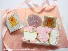 Modelo Galletas Baby Personalizadas decoradas con fondant con nombre y fecha nacimiento