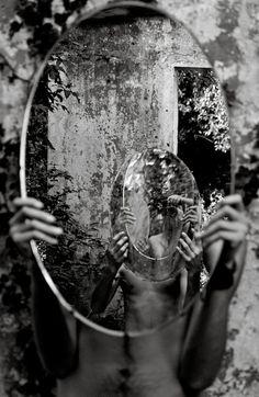 Amiko Kavtaradze - Magic Mirror (Self-Portrait). S)