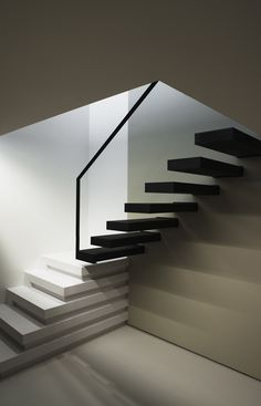 zitlik uyumu: Staircase by Belgium architect Frank Sinnaeve. Interior Staircase, Staircase Design, Interior Architecture, Interior Design, Stairs Architecture, Stairs To Heaven, Stair Handrail, Railings, Modern Stairs