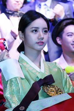 Girl's Day HyeRi in Hanbok