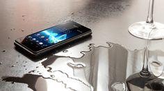 Tecnologia #LTE, elegante e resistente anche all'acqua. Un'esperienza d'ascolto che arriva dritta al cuore #XperiaV