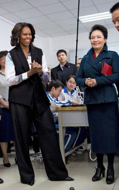 Two First Ladies of Style: Michelle Obama and Peng Liyuan Show Their Distinctive Fashion Flair - NYTimes.com