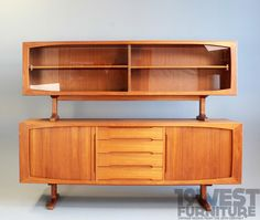 AreaNeo | Sideboard with display case, Teak, 1970s - 19 West Furniture