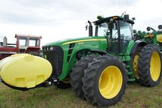 JD 8330.John Deere 8330.Same hp as the 225hp 8400 from 1994-99