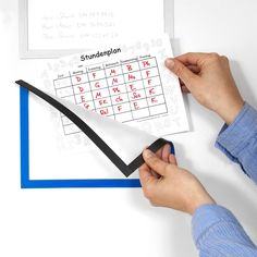 Magnetic frame to display notes, for whiteboards, cupboards, etc.