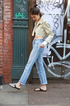The Value of Investing in The Right Trench Coat - Man Repeller - Pesquisa Google Street Chic, Street Wear, Street Style, Mens Fashion Suits, Denim Fashion, Fashion Fashion, Street Fashion, Fashion Ideas, Fashion Trends