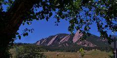 Flatirons view from Chautauqua Park in Boulder, Colorado