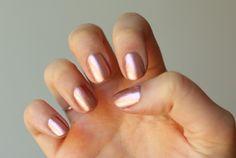 Rose Gold Nail Polish, Gold Manicure, Manicure Y Pedicure, Pedicures, Heart Nail Art, Heart Nails, Pedicure Colors, Nail Colors, Colours