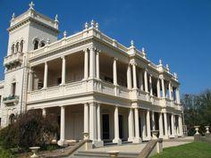 Brighton Melbourne, Melbourne Suburbs, Melbourne House, Melbourne Victoria, Victoria Australia, Melbourne Architecture, Residential Architecture, Old Mansions, Mansions Homes