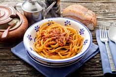 6 Ways to Fit Meat Into a Healthy Mediterranean Diet Mediterranean Dishes, Mediterranean Diet Recipes, Amatriciana Sauce, Utah Food, Peasant Food, Main Dish Salads, Main Dishes, Soup Appetizers, Bacon Pasta