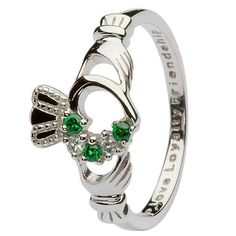 Beautifully etched with the words Love, Loyalty and friendship, this sterling silver ring is a stylish rendition of an Irish tradition. The ornate pattern includes a highly detailed set of hands, a de