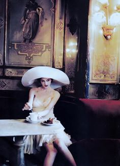 """Venetian Class"": Kylie Bax by Ellen Von Unwerth for Vogue US December 1996"
