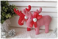 Deko-Objekte - 2 süße Elche♥Weihnachten♥Vintage♥Landhaus♥rot - ein Designerstück von Miss-Charmingbelle bei DaWanda