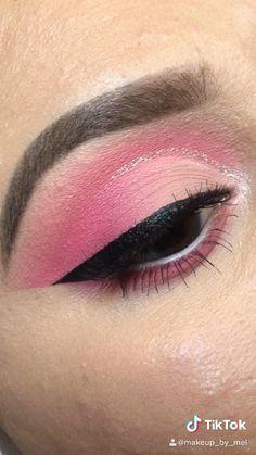 Follow me on instagram!! themakeup_by_mel  #makeuplook  #makeup #makeupartist #makeuptutorial #makeuplover #makeupjunkie #makeupideas #makeuplook Eye Makeup Steps, Makeup Eye Looks, Eye Makeup Art, Pink Makeup, Contour Makeup, Eyeshadow Looks, Pink And Black Eye Makeup, Red Eyeshadow Makeup, Cut Crease Makeup