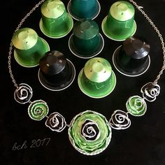 Necklace made from Nespresso coffee capsules- smykker laget av brukte Nespresso kaffekapsler Recycled Crafts, Diy And Crafts, Diy Recycle, Bijoux Diy, Metal Jewelry, Projects To Try, Hand Crafts, Upcycling, Crafts