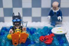 """Alfred, the Lobster was for eating not for swimming!"" 🦀🦀 ▫️▫️▫️▫️▫️▫️▫️▫️▫️▫️▫️▫️▫️▫️▫️▫️▫️▫️▫️ #lego #brick #bricknetwork #brickcentral #legophotography #stuckinplastic #batman #legogram #legostagram #justanothertoygroup #afol #legoart #legomania #toyphotography #toyslagram_lego #toyslagram #toyartistry #toygroup_alliance #toyartistry_and_beyond #tgif_lego #tgif_toys #toptoyphotos #toptoyphotos_lego #toyplanet #toycrewbuddies #lego_hub #brickpichub #toyartistry_elite #toyartistry_lego…"