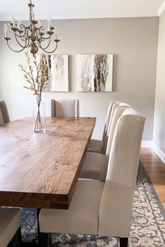 Beige Dining Room, Dining Room Table Decor, Elegant Dining Room, Luxury Dining Room, Dining Room Walls, Dining Room Design, Modern Dining Room Tables, Neutral Dining Room Paint, Upholstered Dining Room Chairs